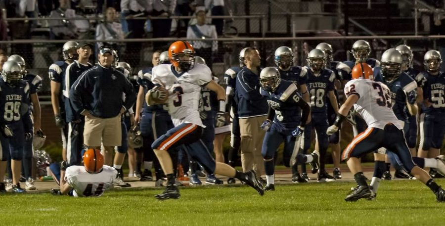 A punt return helped to complete Walpole's comeback win. (Photo/Tim Hoffman)