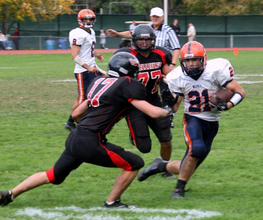 The Walpole offense ran all over the Wellesley defense. (Photo/Greg Salvatore)