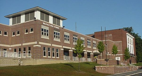 Walpole High Must Decide Whether or Not to Keep its New Advisory Program