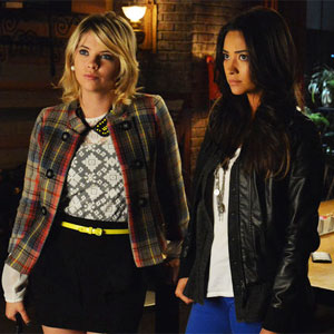 Hanna confronts detective Wilden about his summer in Cape May.