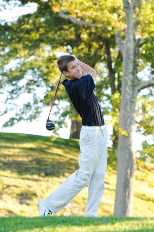 Golf Finishes Season Strong, No.4 In Div. 2