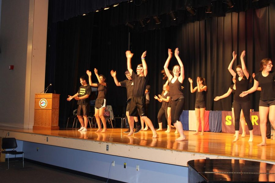 Spanish students perform at the 2013 FLAN.