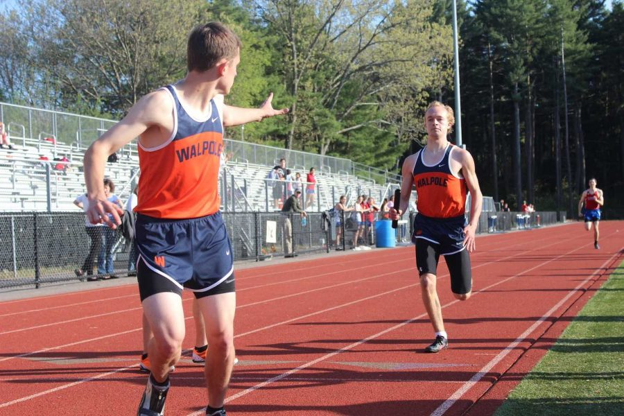 Although having the lead going into the third lap, the Walpole Boys 4x400 loses to Natick.