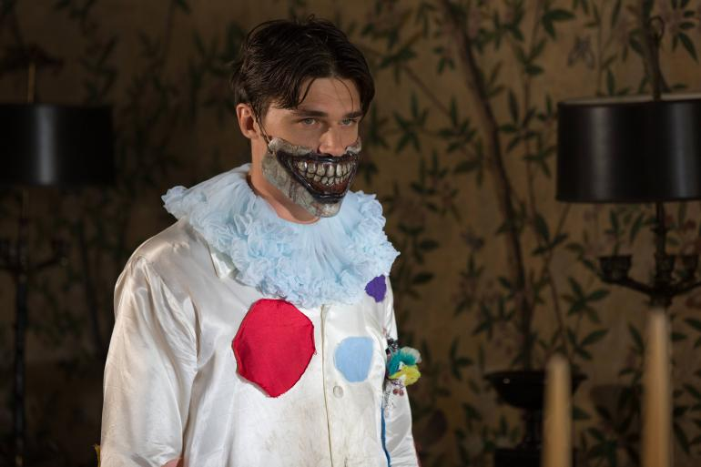 Freak Show's Halloween Episode Unmasks the Killer Clown
