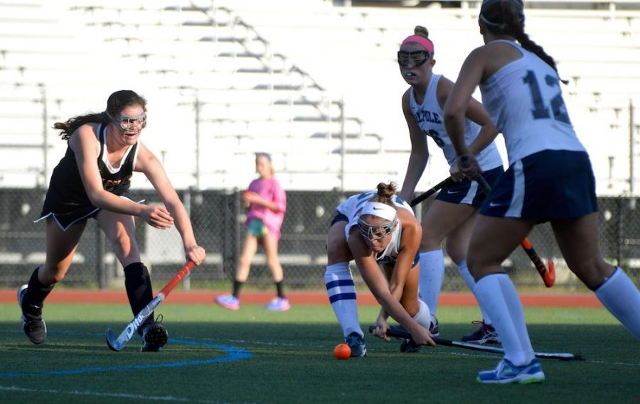 Porkers Move to 3-0 by Overcoming Tournament Loss to Wellesley