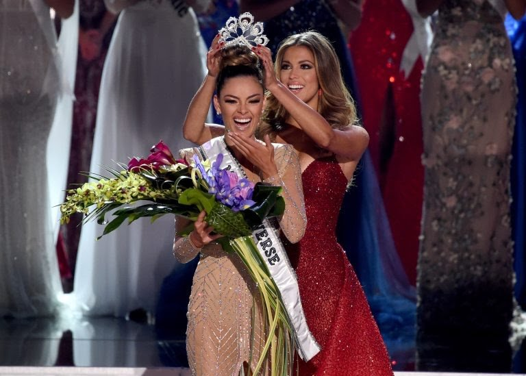 Miss South Africa Wins the 2017 Miss Universe Crown