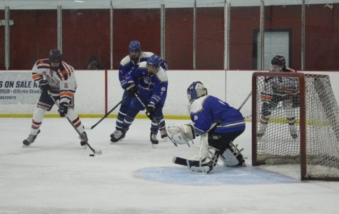 Boys Hockey Defeats Rival Braintree Wamps, 3-1