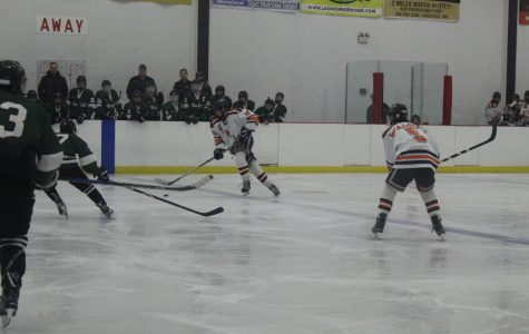 Boys Hockey Falls to Mansfield, 4-3