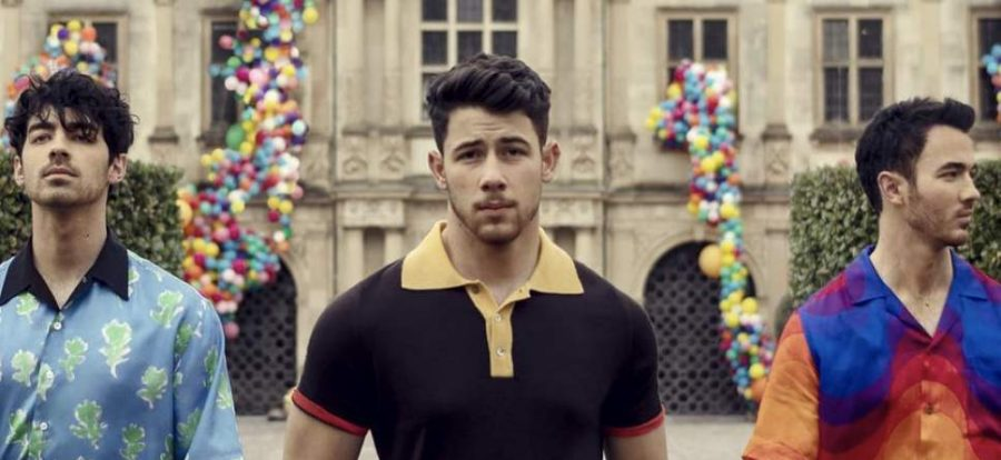 Joe Jonas, Nick Jonas and Kevin Jonas pose for a promotional picture for their new song,