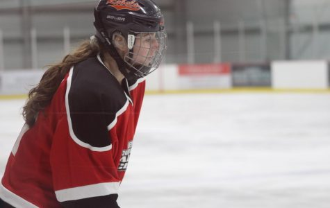 Walpole Girls Hockey Captains Participate in Shriners Charity Hockey Game