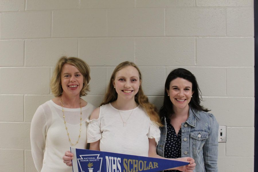 Katie Hurwitz Receives NHS Semifinalist Scholarship