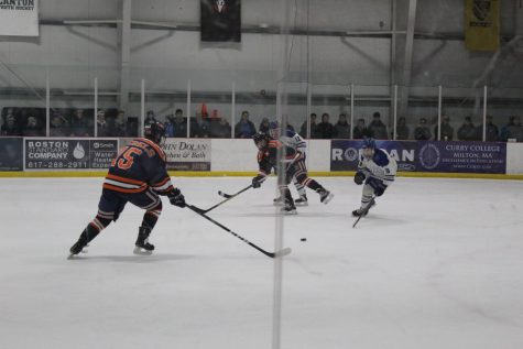 Boys' Hockey Defeats Braintree In Round One Of Playoffs
