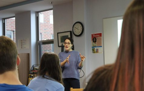 Mitigation Specialist Rebecca Cohen Speaks to Students About Justice Issues