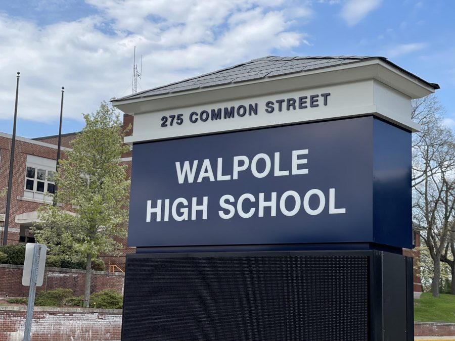 Walpole High School Administration Should Allow Open Campus