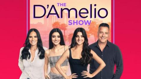 """Hulus """"The D'Amelio Show"""" Captures the TikTok Phenomenon"""